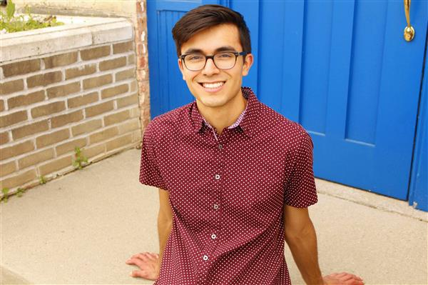 Alejandro Mayagoitia Recognized as 2020-21 National Hispanic Scholar